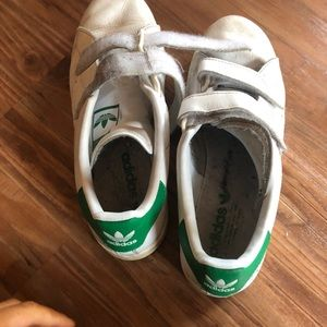 Used adidas sneakerswomens siz 9